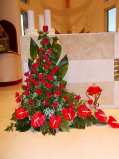 Discover thousands of images about flores Ikebana Arrangements, Funeral Floral Arrangements, Tropical Flower Arrangements, Church Flower Arrangements, Altar Flowers, Church Flowers, Beautiful Flower Arrangements, Funeral Flowers, Altar Decorations