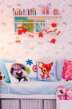 inspiration for a vintage girls room colorful