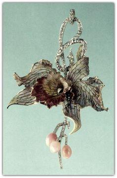 Art Nouveau enamel,diamond and conch pearl pendant brooch.
