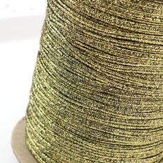 Sznurek sutasz USA 2,5mm metalizowany textured metallic gold/black [1metr] / USA metalizowany / Sutasz USA metraż / SZNURKI SUTASZ - Royal-Stone.pl Metallic Gold, Black Gold, Metallica, Texture, Stone, Usa, Surface Finish, Rock, Rocks