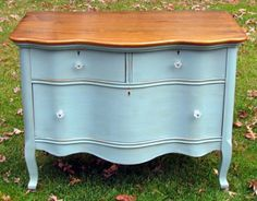 The princess dresser was painted in Annie Sloan Chalk Paint™ decorative paint in a mix of Duck Egg Blue, Louis Blue and Provence.  I then distressed the dresser and finished with the Soft Wax in Clear and Dark. A really nice turquoise color by Wildwood Creek.