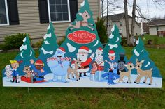 Santa Claus and Rudolph and the misfit toys at Christmas lawn stake Lawn Signs Diy Christmas Village, Christmas Yard Art, Mickey Christmas, Christmas Ornaments, Christmas 2019, Christmas Trees, Grinch Decorations, Christmas Yard Decorations, Office Decorations