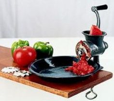 No electricity required: the old-fashioned hand-crank food grinder