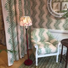 Scrolling Fern Frond wallpaper and fabric at the Soane Britain showroom. Fern Frond, Hand Printed Fabric, Inspirational Wallpapers, Designer Wallpaper, Ferns, Britain, Dining Chairs, Showroom, Prints
