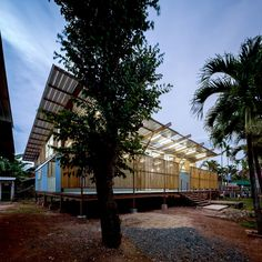 Jun Sekino redesigns earthquake-damaged school in Thailand