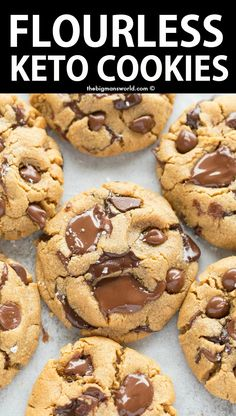 keto snacks These are the BEST Keto Chocolate Chip Cookies- Soft, chewy, FLOURLESS and made with just 4 Ingredients! NO dairy, NO eggs and ready in just 12 minutes- These will be your go-t Desserts Keto, Keto Snacks, Dessert Recipes, Recipes Dinner, Keto Friendly Desserts, Keto Dessert Easy, Healthy Snacks, Keto Sweet Snacks, No Carb Snacks