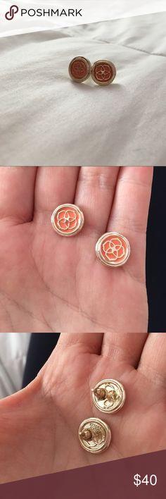 Kendra Scott Earrings Onyl worn once. Still look brand new!! Super cute Kendra Scott Jewelry Earrings