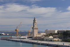 https://flic.kr/p/rptyVe | Faro de Porto Pi | Palma de Mallorca, Islas Baleares, España. Construido en la Edad Media, este faro es el tercero más antiguo del mundo en operación.  Palma de Mallorca, Balearic Islands, Spain. Built in the Middle Age, this lighthouse is the third most ancient still in operation in the world.