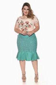 Plus size - fascinius moda evangélica fascinius moda evangelica, moda evangelica feminina, saia com Plus Size Skirts, Plus Size Outfits, Curvy Girl Fashion, Plus Size Fashion, Vestidos Plus Size, Looks Plus Size, Adidas Zx, Moda Plus Size, Full Figure Fashion