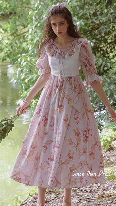 Indie Fashion, Retro Fashion, Vintage Fashion, Saree Jacket Designs, Vintage Dresses, Vintage Outfits, Romantic Outfit, Romantic Fashion, Feminine Style