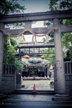 Namba Yasaka Temple /// 難波八阪神社 ▼ Photographers: © Delfine & aAlex