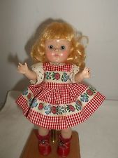 "VINTAGE VOGUE TRANSITIONAL GINNY IN EARLY DRESS SAME AS #8-9D ""HOLLY"" - SUPER!!"