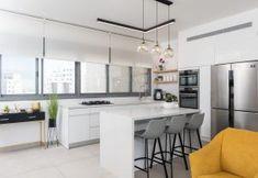 עיצוב פנים מטבחים   עיצוב מטבחים תמונות   in design - עיצוב פנים Interior Design, Studio, Kitchen, Table, Furniture, Home Decor, Nest Design, Cooking, Decoration Home