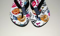 'COACH Kasey Flat Poppy Prints Flip Flops 5M' is going up for auction on Tophatter.