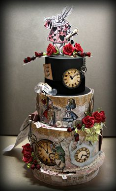 Very cool Alice in Wonderland paper cake. Perfect for an Alice in Wonderland… Crazy Cakes, Fancy Cakes, Beautiful Cakes, Amazing Cakes, Super Torte, Alice In Wonderland Cakes, Mad Hatter Tea, Mad Hatters, Mad Hatter Cake