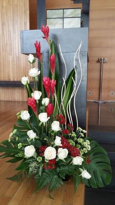 Inexpensive Wedding Venues In Nj Code: 8760546633 Contemporary Flower Arrangements, Tropical Floral Arrangements, Large Flower Arrangements, Funeral Flower Arrangements, Alter Flowers, Church Flowers, Funeral Flowers, Ikebana, Church Altar Decorations