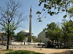"""Bulgaristan'daki Osmanlı Mirası """"Pazarcık"""" Bulgaristan'ın başkenti Sofya'nın güneydoğusunda yer alan ve Kırım'dan gelen Tatarların 1418 yılında kurduğu """"Pazarcık"""" şehri, ülkenin Osmanlı mimarisini yansıtan en otantik kentlerinden biri olma özelliğini taşıyor."""