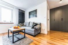 2 pokoje, mieszkanie na sprzedaż - Lublin, Śródmieście - 61921664 • www.otodom.pl Couch, Furniture, Home Decor, Living Room, Settee, Decoration Home, Sofa, Room Decor, Home Furnishings