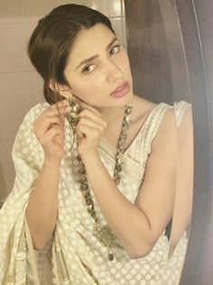 Pakistani actor Mahira Khan in a sari by Blocked & jewellery by Amber Sami.