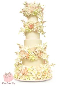 See the latest wedding cake trends from the award winning bakery Pink Cake Box. From lace, metallics, glitter and gold, we cover the latest fashionable trends driving the cake industry. Blush Wedding Cakes, Floral Wedding Cakes, Themed Wedding Cakes, Wedding Cakes With Flowers, Floral Cake, Purple Wedding, Spring Wedding, Flower Cakes, Trendy Wedding