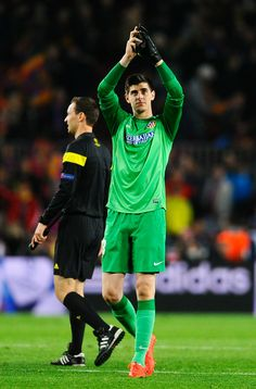 Thibaut Courtois of Club Atletico de Madrid applauds the fans after the UEFA Champions League Quarter Final first leg match between FC Barcelona and Club Atletico de Madrid at Camp Nou on April 1, 2014 in Barcelona, Catalonia.