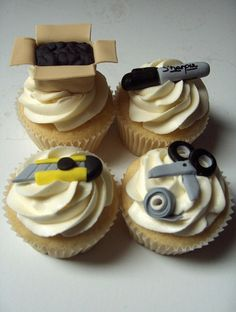 """moving day cupcakes"" I haven't seen anything like these before- pretty cute!"