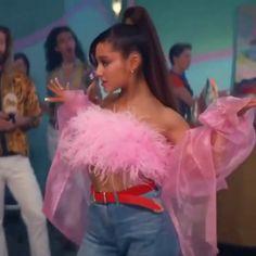 Ariana Grande Thank u, next Ariana Grande Outfits, Ariana Grande Gif, Ariana Grande Drawings, Ariana Grande Wallpaper, Ariana Grande Pictures, Ariana Video, Ariana Grande Sweetener, Dangerous Woman Tour, Aesthetic Videos
