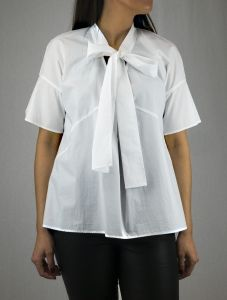 #odeeh #bluse #schleife #zeitgeist_amberg Tunic Tops, Shirts, Long Sleeve, Sleeves, Women, Fashion, Ribbon Work, Blouse, Moda