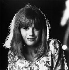 vintage everyday: 50 Rare and Beautiful Black and White Portraits of Marianne… Rock And Roll Girl, Rock And Roll Fantasy, Marianne Faithfull, Women Of Rock, Famous Girls, Black And White Portraits, Timeless Beauty, Rolling Stones, Celebrity Photos