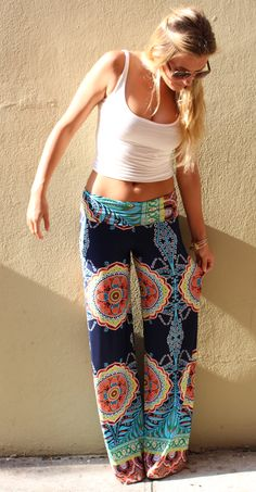 Printed beach pants, plain tank top. I want another pair of these pants, louder than the ones I currently own: $24.99!! www.sunglass-stores.com
