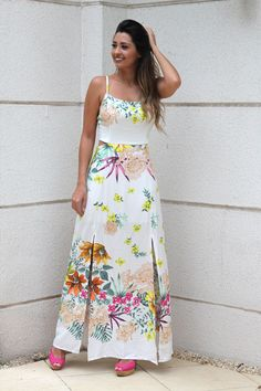 Sugestão de vestidos pra o ano novo Vestidos Sport, Short Girl Fashion, Beautiful Summer Dresses, Indian Designer Outfits, Floor Length Dresses, Floral Maxi Dress, Pretty Outfits, Evening Dresses, Fashion Dresses