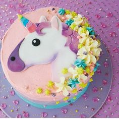 Unicorn cake for a child.