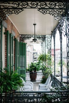 New Orleans porch.
