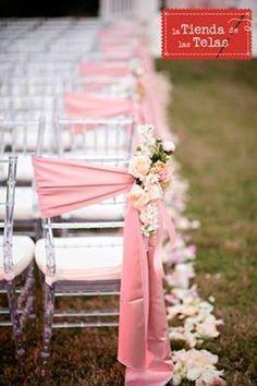 ¡¡Marca tendencia!!, con una decoración exclusiva y sencilla, para tus eventos.  Consigue crear una decoración romántica con unas #flores y un #lazo de #rayon 5,99€/m (1,50m/ancho).  ¡¡¡Disponible en todos los colores!!!