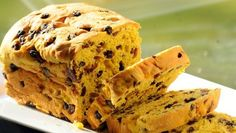 The traditional Cornish Saffron cake has been made for generations.This age-old recipe uses the delicate spice saffron to flavour the fruit bread. Make as one loafor divide into individual buns. Serve for dessert or along with a cup of tea.Let … Continued