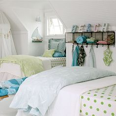 A coastal chic bedroom style can be created wherever you live with our collection of inspiring beach bedroom design ideas and tips to help achieve the look. Beach House Bedroom, Beach Room, Bedroom Retreat, Beach House Decor, Home Bedroom, Girls Bedroom, Home Decor, Bedroom Decor, Beach Cottage Bedrooms