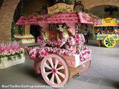 Minnie And Daisy Flower Cart