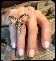 Rams Head Ring 18K Yellow Gold with Black Diamond Eyes