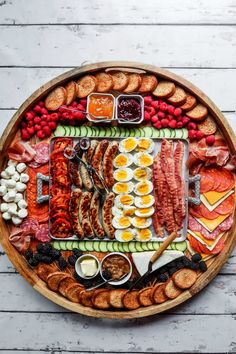 Epic Grilled Breakfast Charcuterie Board #breakfastboard #epiccharcuterie #epicbreakfastboard