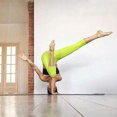 headstand | yoga #yogaexercises