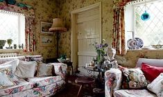 Shaun Clarkson and Paul Brewster's renovated Victorian cottage is a charming take on English country house style, with a stately home-inspired interior that belies its modest proportions. English Cottage Interiors, English Cottage Style, English Country Cottages, English Country Decor, English House, Country Farm, Country Style, English Style, French Cottage