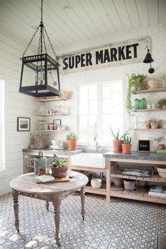 Laundry room inspiration from Joanna Gaines! Inside Joanna Gaines' favorite room in her house Joanna Gaines Farmhouse, Magnolia Joanna Gaines, Chip And Joanna Gaines, Joanna Gaines Kitchen, Farmhouse Laundry Room, Mudroom Laundry Room, Farmhouse Kitchen Decor, Farmhouse Style, Fresh Farmhouse