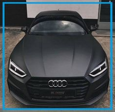 Audi – Matte Black Your Arnd from the AutoErlebniswelt-Tü Taunus - Cars and motor Bugatti Veyron, Audi A5, Lamborghini Veneno, Koenigsegg, Audi Supercar, Fancy Cars, Cool Cars, Maserati, Carros Audi