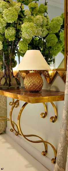 lux decorating - The Pineapple Table Lamp