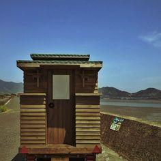 japan tiny house 004 600x600   Man in Japan Builds Micro DIY Tiny House on Wheels
