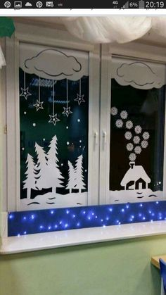 Easy and Fun DIY Christmas Decoration Ideas on a Budget - Holiday Window Decor . Easy and Fun DIY Christmas Decoration Ideas on a Budget - Holiday Window Decorations - Christmas Decorations - Budget Holiday, Christmas On A Budget, Christmas Door, Christmas Time, Christmas Windows, Outdoor Christmas, Decoration Creche, Christmas Window Decorations, Holiday Decor
