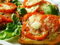 Caprese Salad, Food And Drink, Stuffed Peppers, Meat, Chicken, Vegetables, Hub, Pizza, Stuffed Pepper