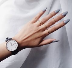 dainty rings + daniel wellington watch
