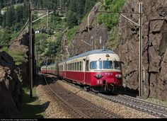 Train Car, Train Tracks, Locomotive, Rail Transport, Swiss Railways, Bonde, Electric Train, Model Train Layouts, Model Trains