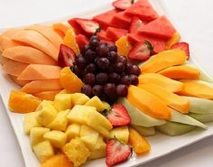 Cheese Trays, Fresh Fruit, Fruit Salad, Berries, Appetizers, Healthy Recipes, Healthy Foods, Vegetables, Platter